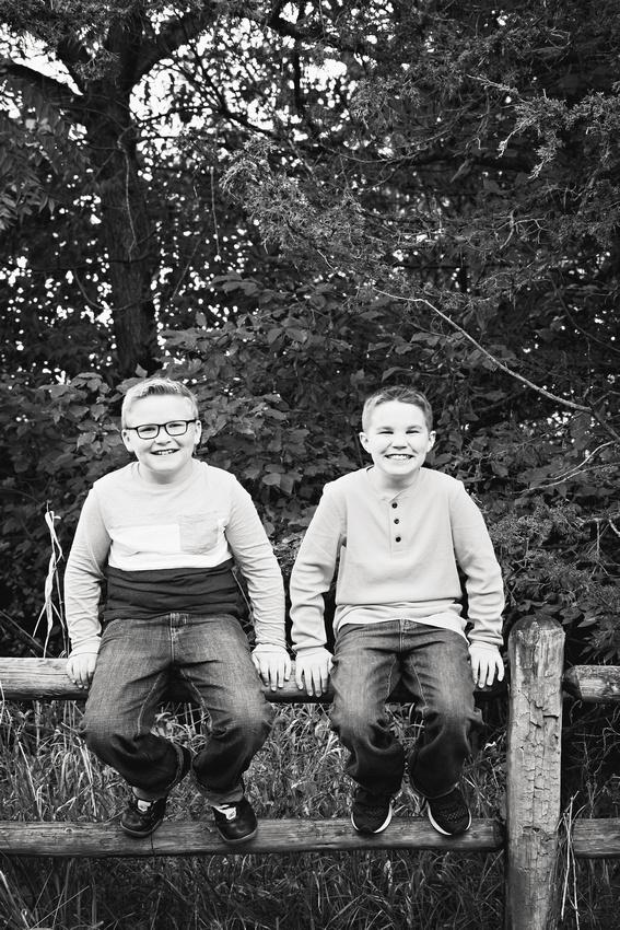 Beyer Family Session - Omaha Family Photographer